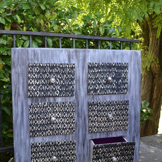 Commode 6 tiroirs en carton gris, noir finition or - Meuble en carton - Esprit Recup'