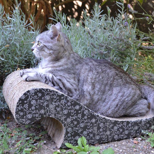 Griffoir chat en carton avec décoration noir - Meuble en carton - Esprit Recup'