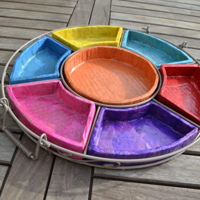 Plats multicolor en carton - Meubles en carton - Esprit Recup'